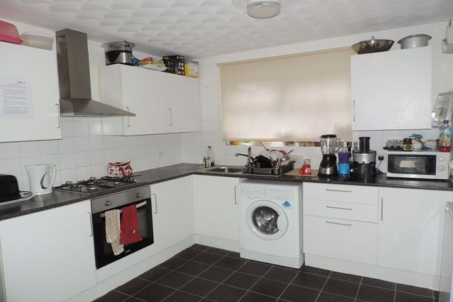 Room to rent in Rm 3, Eyrescroft, Bretton, Peterborough PE3