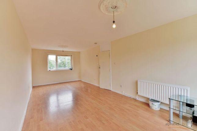 Thumbnail Flat for sale in Exeter Road, Dagenham