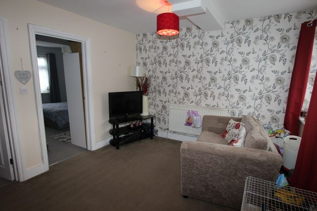 Thumbnail Flat to rent in Bellgrove Road, Welling Kent