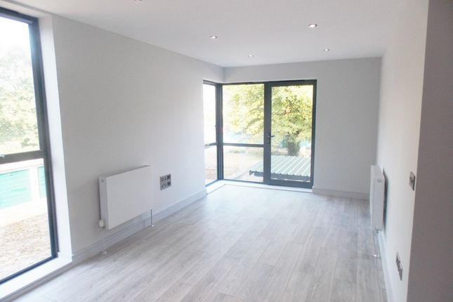 Thumbnail Flat to rent in Adelphi Court, Maple Road, Anerley