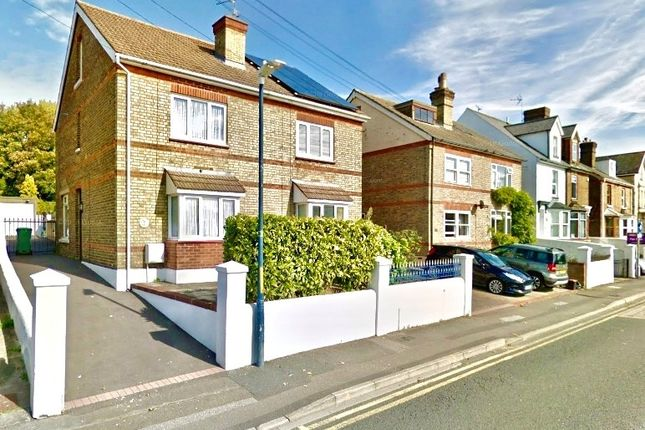3 bed semi-detached house to rent in Union Street, Maidstone ME14