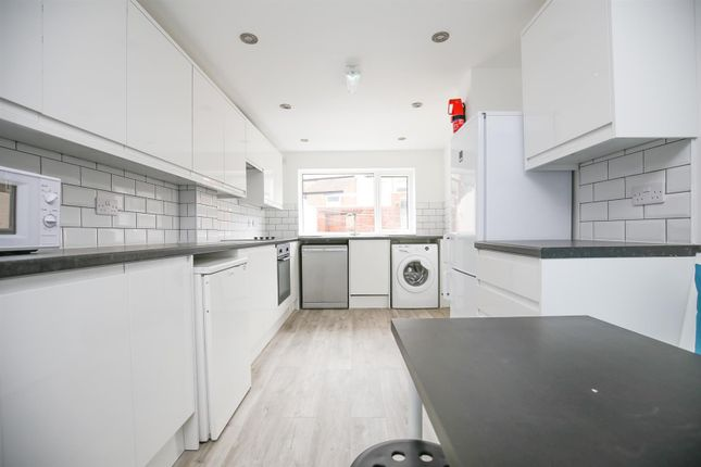 Thumbnail Detached house to rent in Sandyford Road, Sandyford, Newcastle Upon Tyne