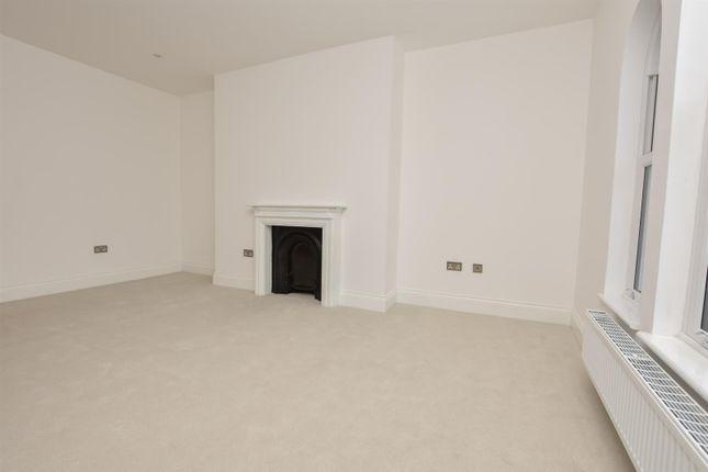 Living Room of London Road, St. Leonards-On-Sea TN37