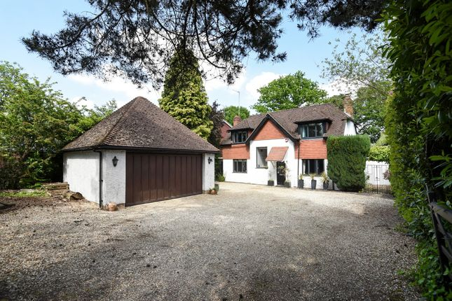 Thumbnail Detached house to rent in Lower Wokingham Road, Crowthorne, Berkshire