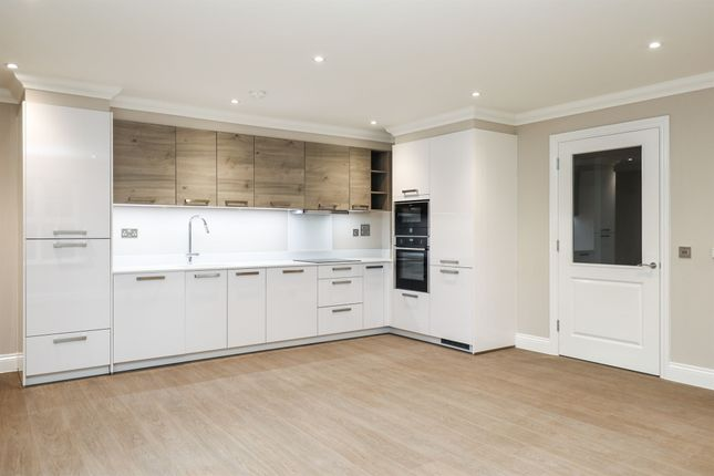 Thumbnail Flat for sale in Chantry Court, Broadbridge Heath, Horsham