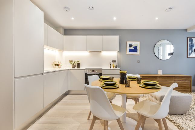 1 bedroom flat for sale in New Road, Brentwood