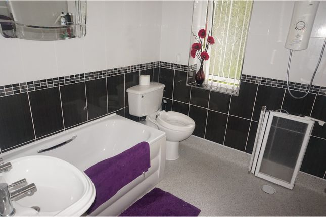 3 Bedroom Semi Detached House For Sale 43752760