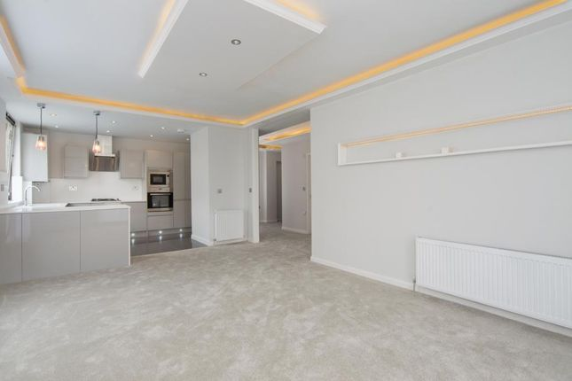 3 bed flat for sale in Lavington, Greville Place, London