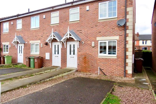 2 bed property to rent in Ashwood Parade, Hall Green, Wakefield WF4
