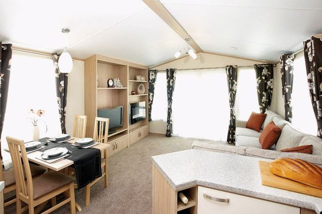 Thumbnail Mobile/park home for sale in Lime Kiln Lane, Bridlington