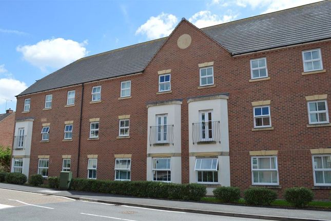 Flat to rent in Pipers Court, Finham, Coventry