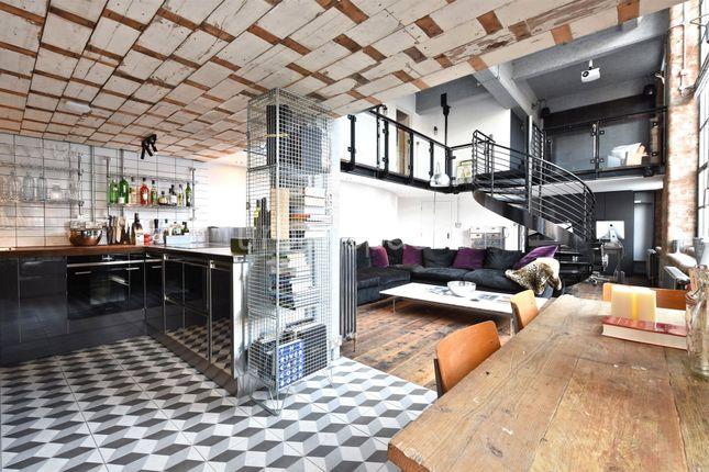 Thumbnail Flat to rent in Summers Street, Farringdon