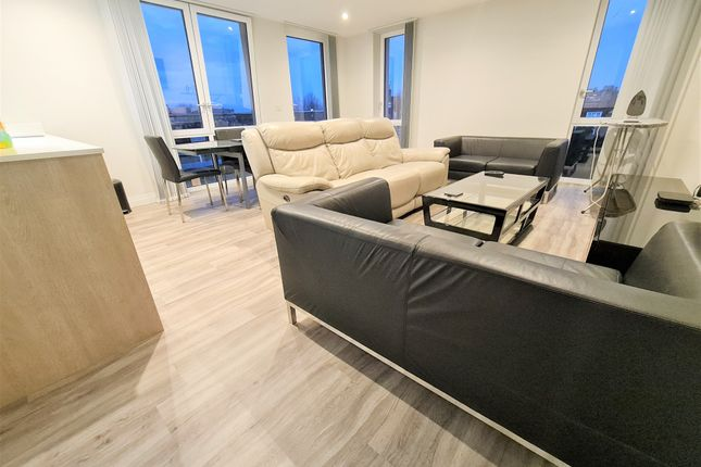 Thumbnail Flat to rent in Panorama Apartments, 2 Harefield Road, Uxbridge, Greater London