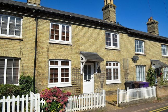 2 bed detached house to rent in Mill Road, Royston, Herts