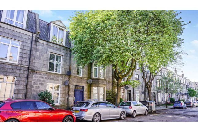 Thumbnail Flat for sale in Great Western Place, Aberdeen