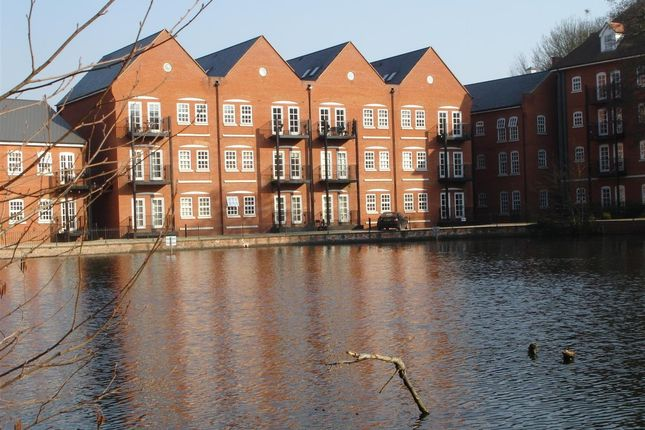 4 bedroom maisonette to rent in Waterside Lane, Colchester
