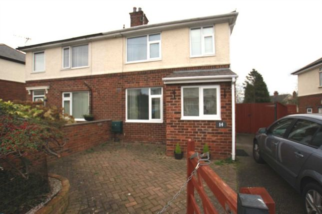 3 bedroom semi-detached house to rent in Lyme Grove, Buckley, 2Ad.