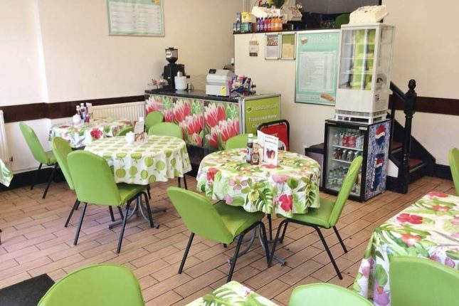 Restaurant/cafe for sale in High Street, Clydach, Swansea