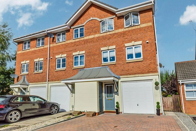 3 bed semi-detached house for sale in Barberry Court, Brough HU15