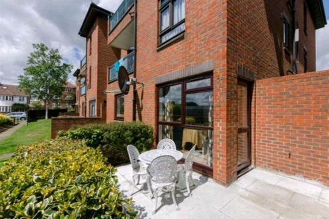 Thumbnail Flat to rent in 108 Friern Park, Whitefriars Court, London