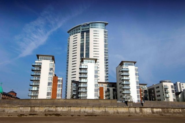Thumbnail Flat to rent in Meridian Bay, Trawler Road, Swansea.