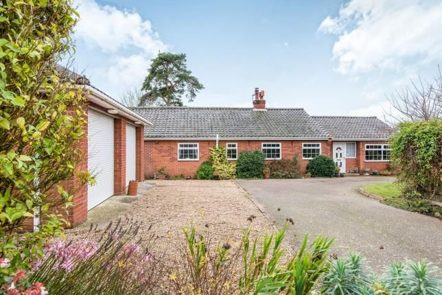 Thumbnail Bungalow for sale in Saxlingham Nethergate, Norwich, Norfolk