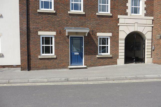 Thumbnail Flat to rent in Sedgemoor Way, Glastonbury