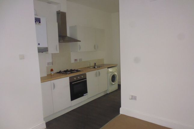 Thumbnail Flat to rent in Entwistle Road, Rochdale