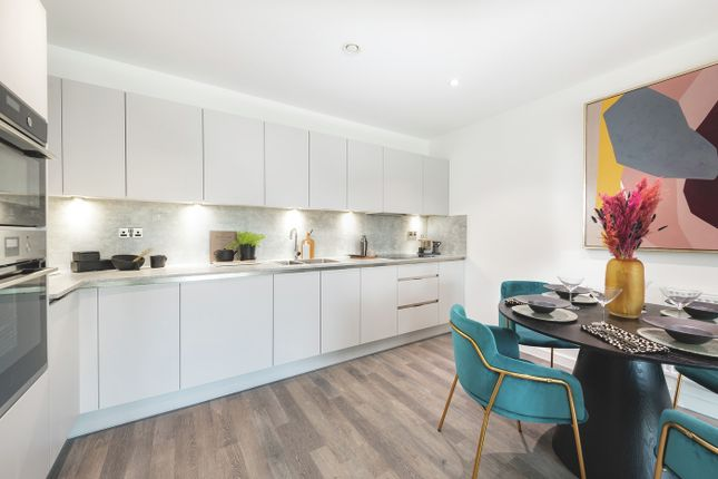 2 bed flat for sale in Station Approach, South Oxhey WD19
