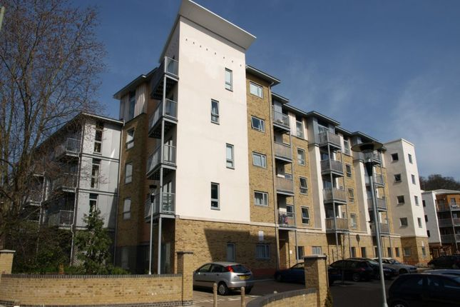 Thumbnail Flat for sale in Coombe Way, Farnborough