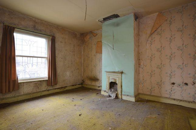 Bedroom of Blackmoorfoot Road, Crosland Moor, Huddersfield HD4