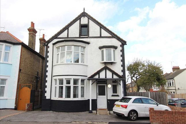 Thumbnail Detached house to rent in Westborough Road, Westcliff-On-Sea