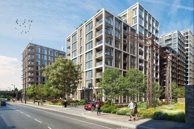 Thumbnail Flat for sale in Huntington House, Prince Of Wales Drive, Battersea, London