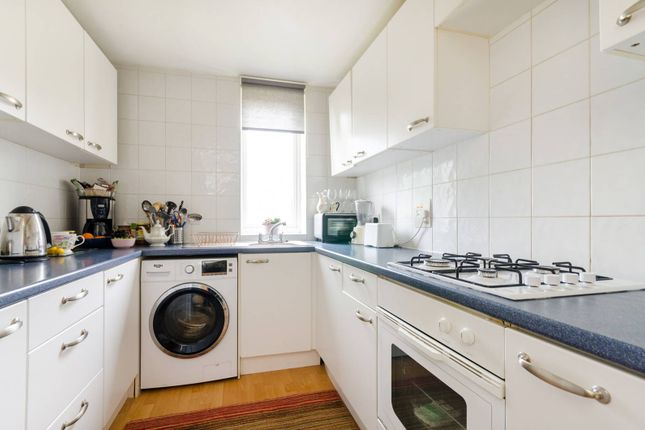 Thumbnail Flat to rent in Albion Road, Sutton