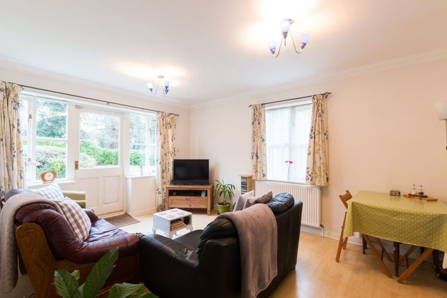 2 bed flat to rent in Heron House, Newbury, Berkshire