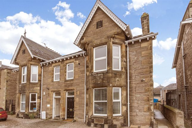 3 bed flat to rent in 49 York Place, Perth PH2