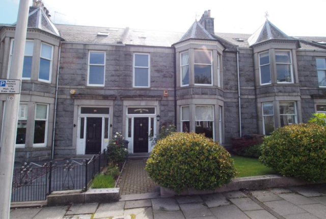 Thumbnail Terraced house to rent in Beaconsfield Place, Aberdeen AB15,