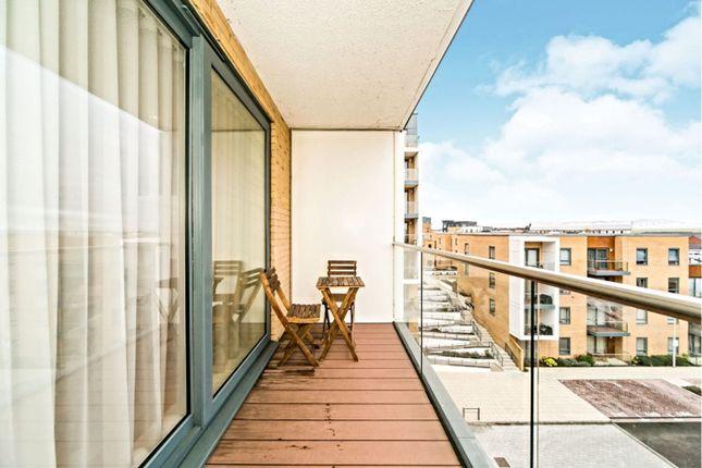Balcony of Drake Way, Reading RG2