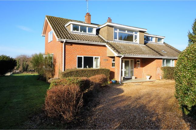 Thumbnail Detached house for sale in Rake Road, Liss