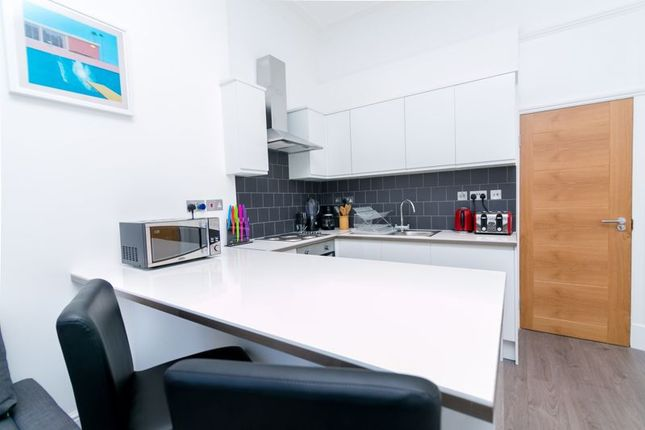 Thumbnail Flat to rent in Conway Street, London