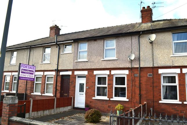 2 bed terraced house to rent in Warrington Road, Leigh