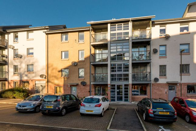 Thumbnail Flat for sale in St Triduanas Rest, Edinburgh