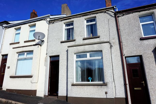 Thumbnail Terraced house for sale in Kitcheners Avenue, Larne