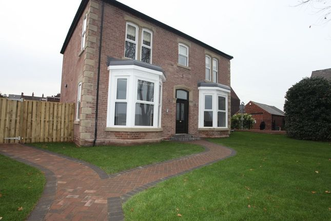 Thumbnail Flat to rent in Barnsley Road, Wombwell, Barnsley