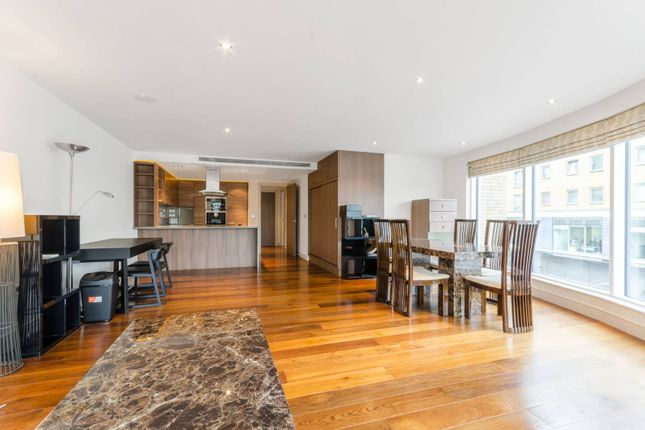 Flat in  Townmead Road  Sands End  Fulham