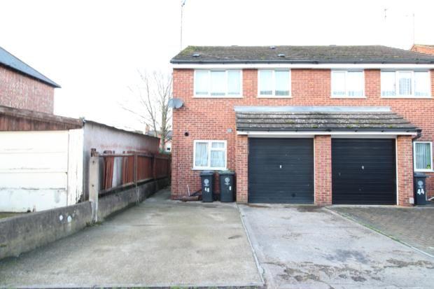 3 bed semi-detached house to rent in Pratt Road, Rushden NN10