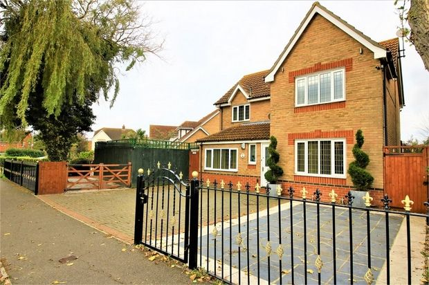 Thumbnail Detached house for sale in Thorney Bay Road, Canvey Island, Essex