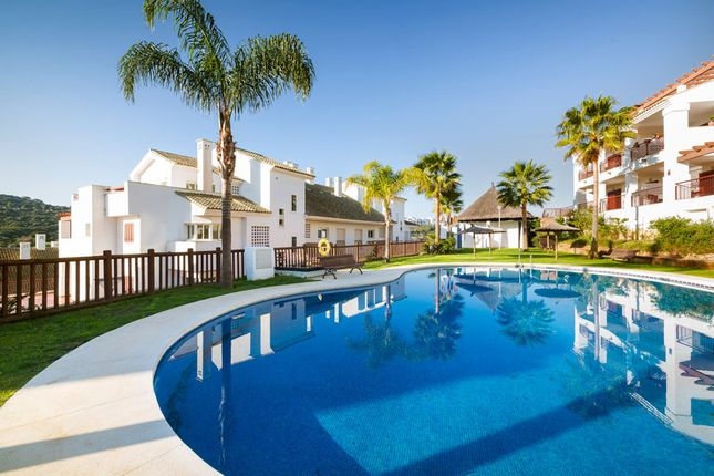 3 bed apartment for sale in Alcaidesa, Cádiz, Andalusia, Spain