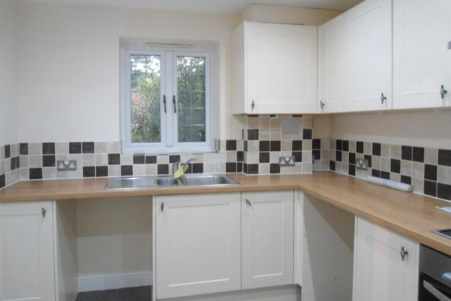 Thumbnail Semi-detached house to rent in Yalding Close, Strood, Rochester