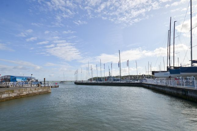 Thumbnail Cottage for sale in High Street, Cowes